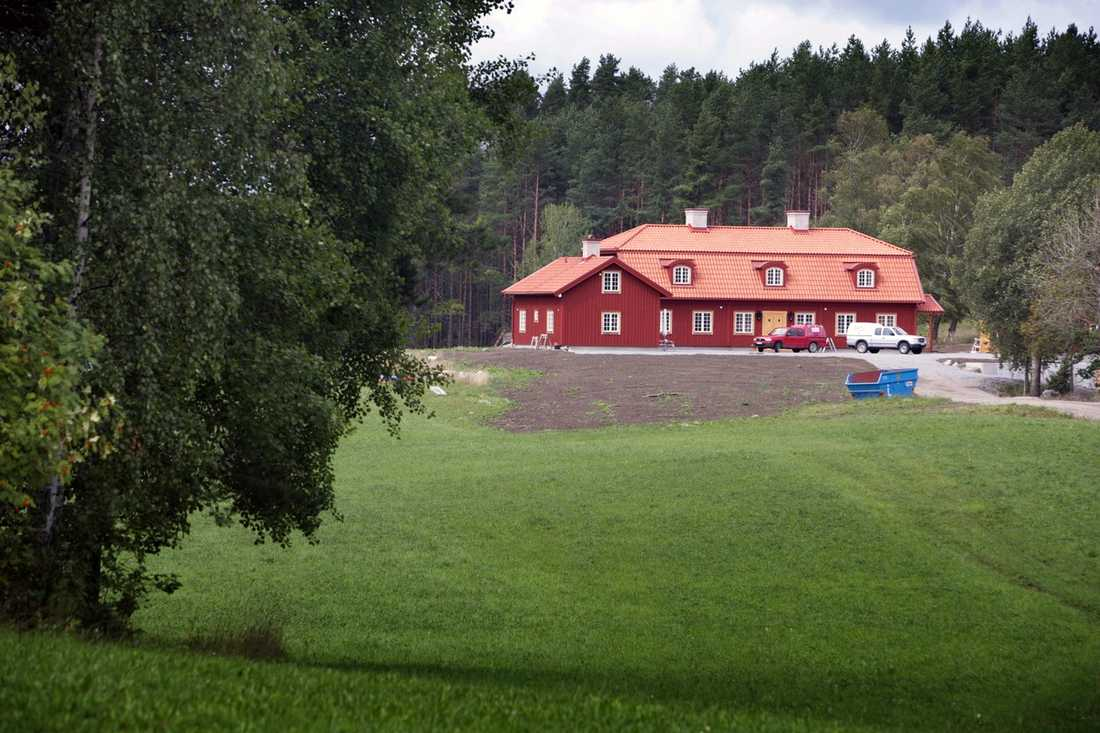Ordning på torpet Göran Perssons och Anitra Steens gård Torp i Sörmland.