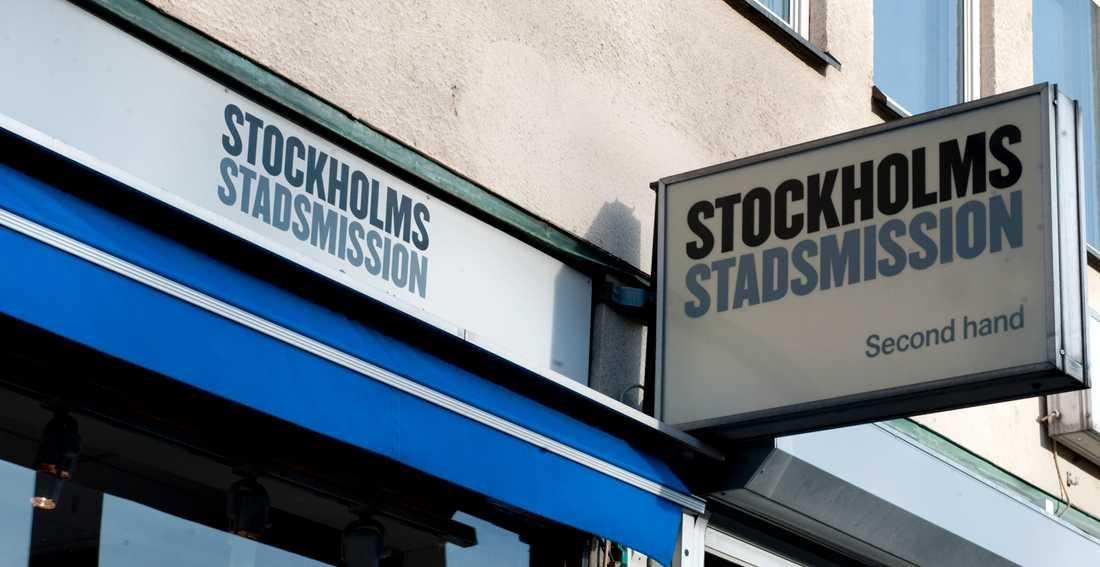 Bakom den nya butiken står bland andra Stockholm stadsmission.