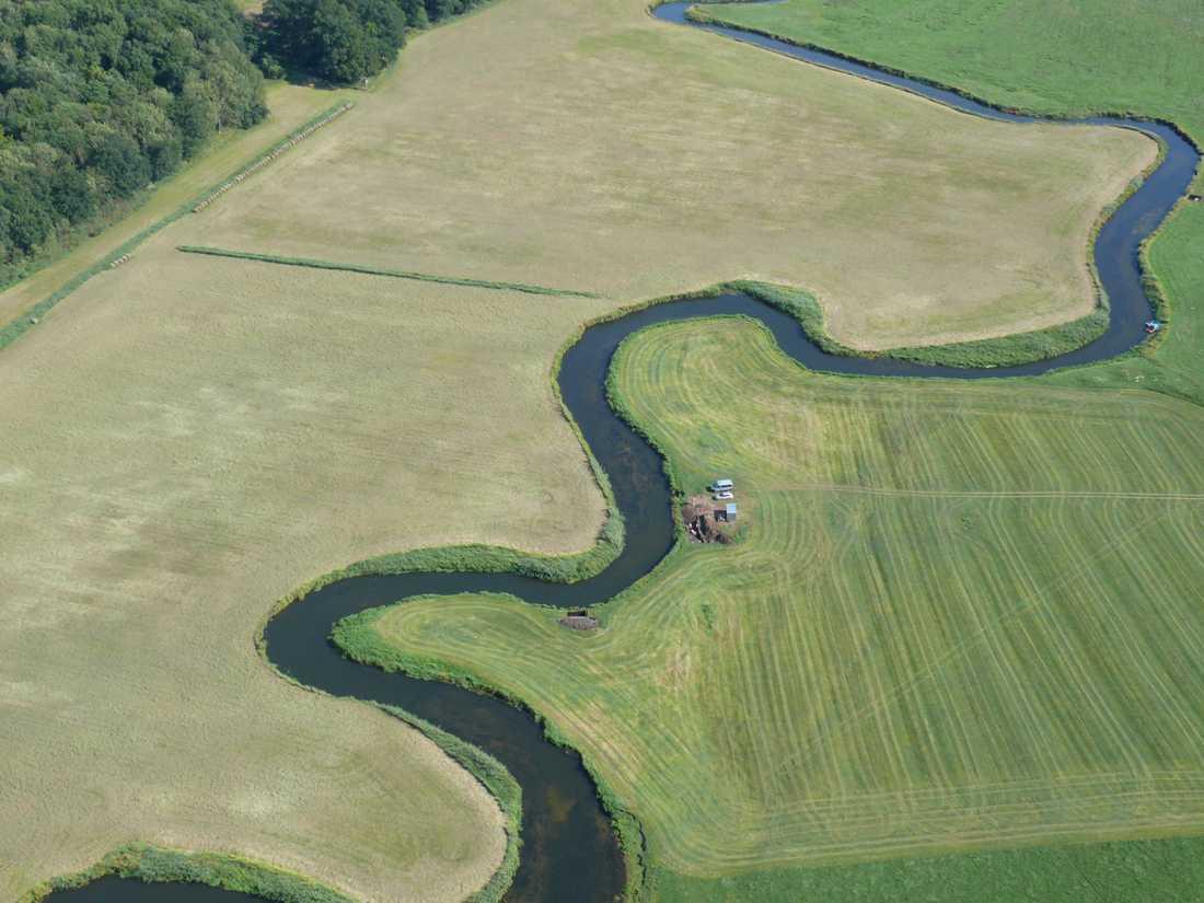 Den blodiga sammandrabbningen ägde rum vid floden Tollense i norra Tyskland, inte långt från Östersjön. Då, för 3000 år sedan, var området mer vattenfyllt. Forskarna tror att slaget ägde rum kring en bro över floden.