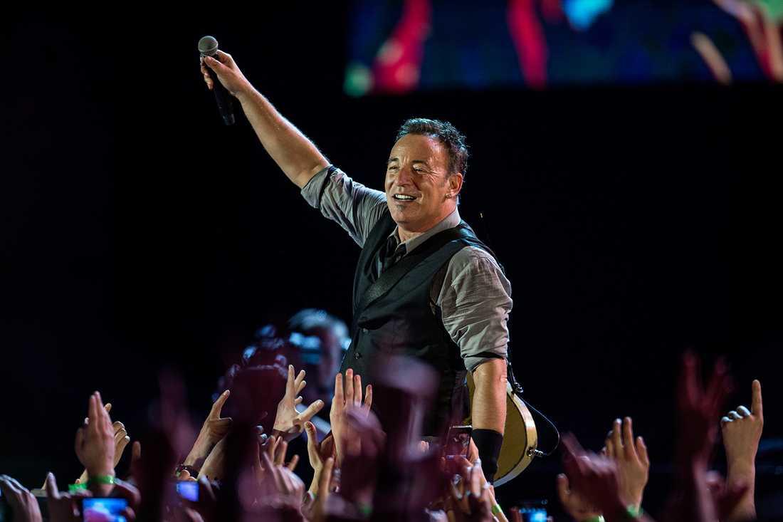 5 Rockbjörnar Bruce Springsteen tangerar Ulf Lundells fem björnar.