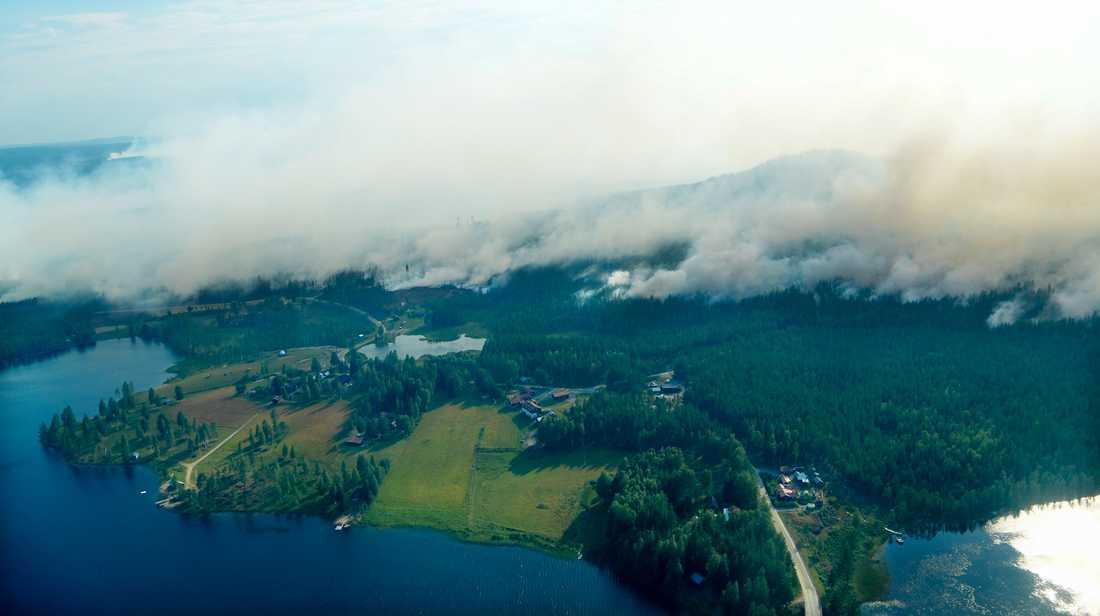 Byar i Ljusdals kommun evakueras på grund av bränderna.