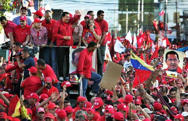 Hugo Chavez kortege i staden Barquisimeto.