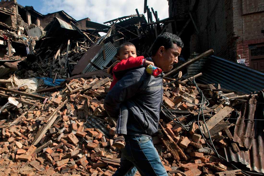Nu kan du hjälpa offren i jordbävningskatastrofen i Nepal.