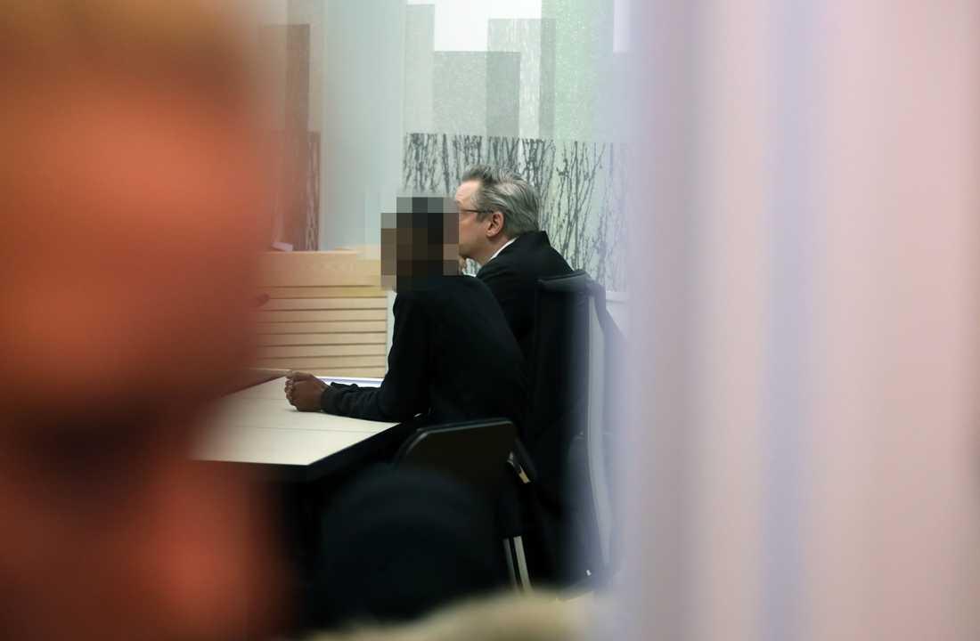 Den misstänkte 20-åringen vid måndagens häktningsförhandling.