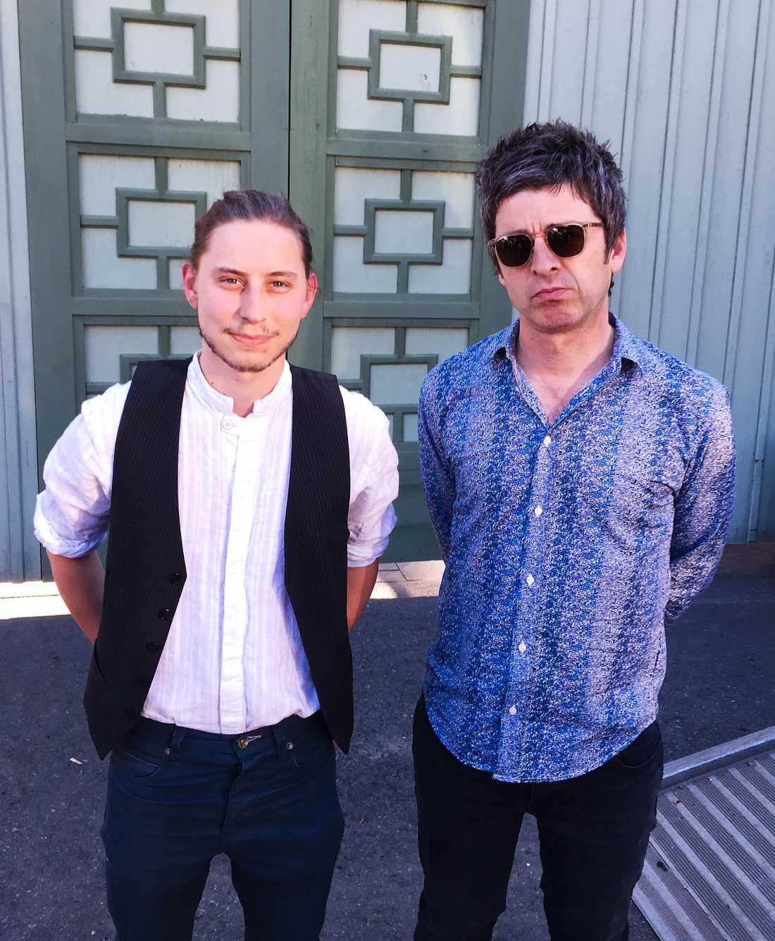 Aftonbladets reporter Dante Thomsen och Noel Gallagher.