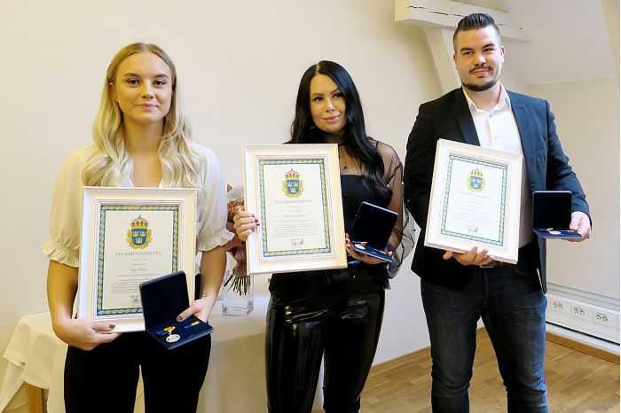 Saga Helin, Johanna Karlsson, och Olle Axelsson prisades för sina rådiga ingripanden.