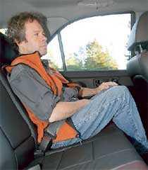 Baksätet i Sorenton är placerat obetydligt högre än golvet vilket ger en tröttsam sittställning med knäna under hakan.