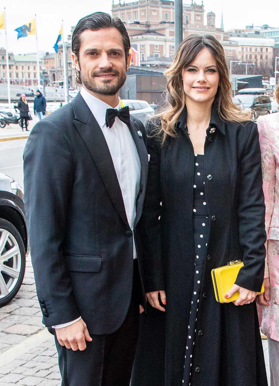 På en middag för Sverige-Amerika stiftelsen på Grand Hôtel nyligen kom prinsessan Sofia i en prickig klänning från & Other Stories och håret var utsläppt så att man kunde se att hon färgat slingor i en ljusare nyans. Tekniken kallas för balayage. Den gula clutchen kommer från Susan Szatmary.