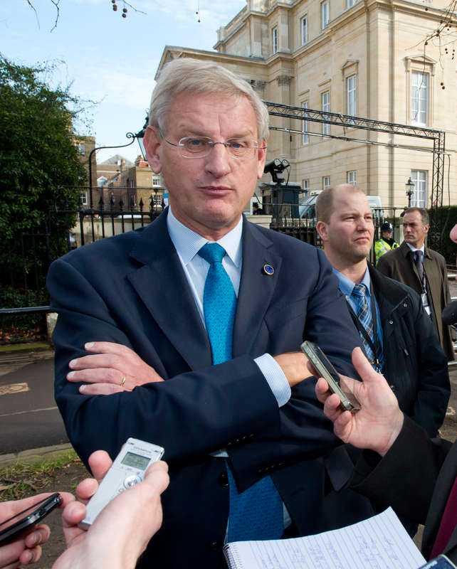 """ETT BOMBAT UTTALANDE, BILDT? Utrikesminister Carl Bildts argument (i citatet ovan) sågas hårt av professor emeritus Lars Ingelstam vid Linköpings universitet. """"Resonerar man så finns inga moraliska politiska värden kvar"""", säger han. Foto"""