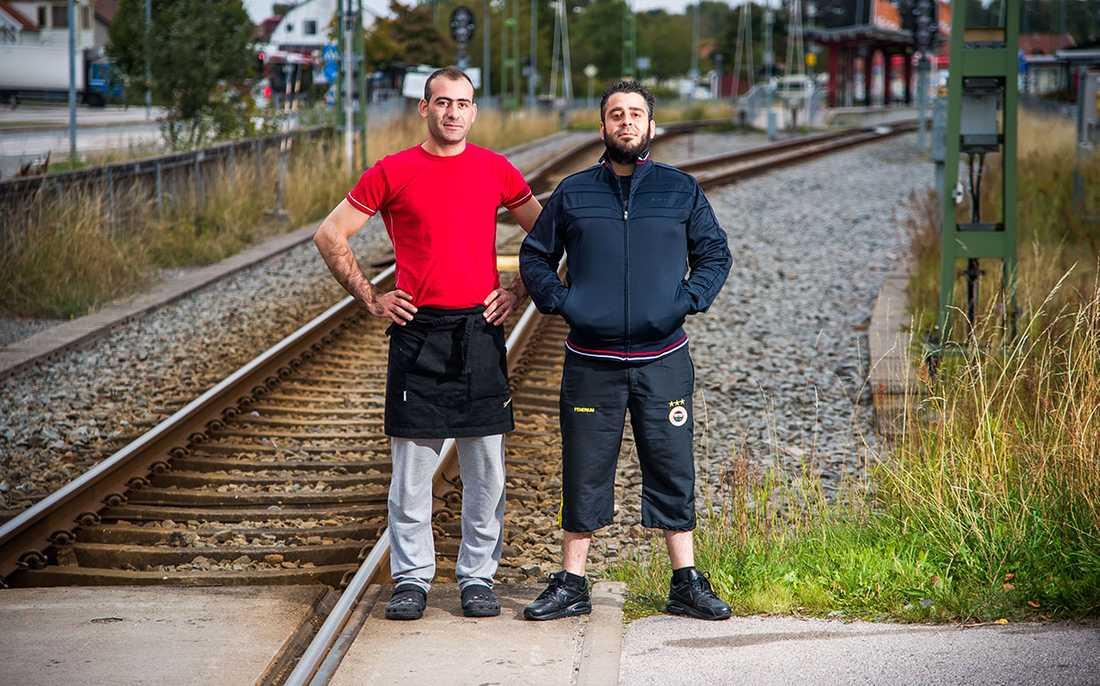 Hjältarna på Hoby Pizzeria som räddade en rullstolsburen dam som fastnade på tågspåret.