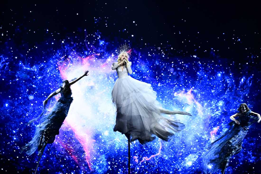 Australiens och sångerskan Kate Miller-Heidkes scenshow i årets Eurovision är en av de mest iögonfallande.