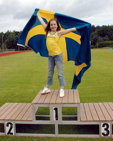 """Popstjärna och isprinsessa Amy Diamond ska sjunga friidrottslandslagets officiella VM-låt i Helsingfors. Låten heter """"Champion"""" och finns med på hennes debutalbum """"This is me now""""."""