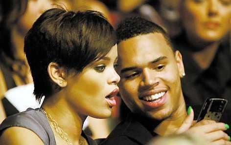 """Rihanna och Chris Brown har lånat """"Diddys"""" lyxvilla i Miami."""