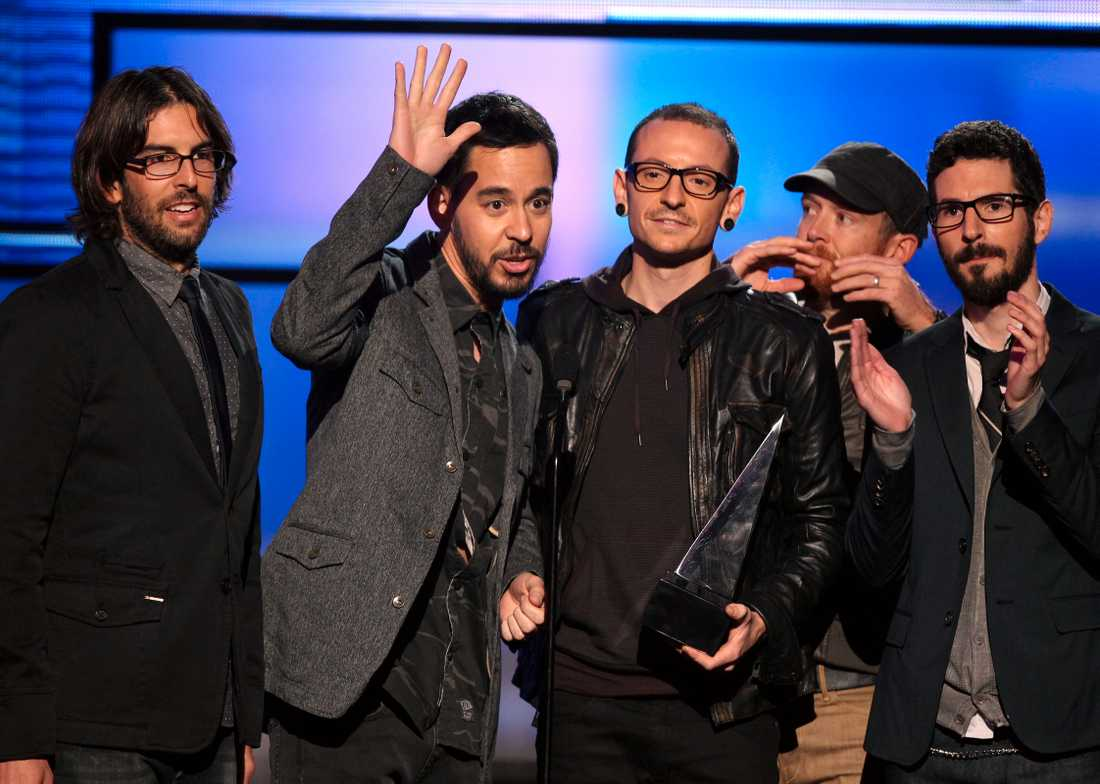 Linkin Park sörjer sångaren.