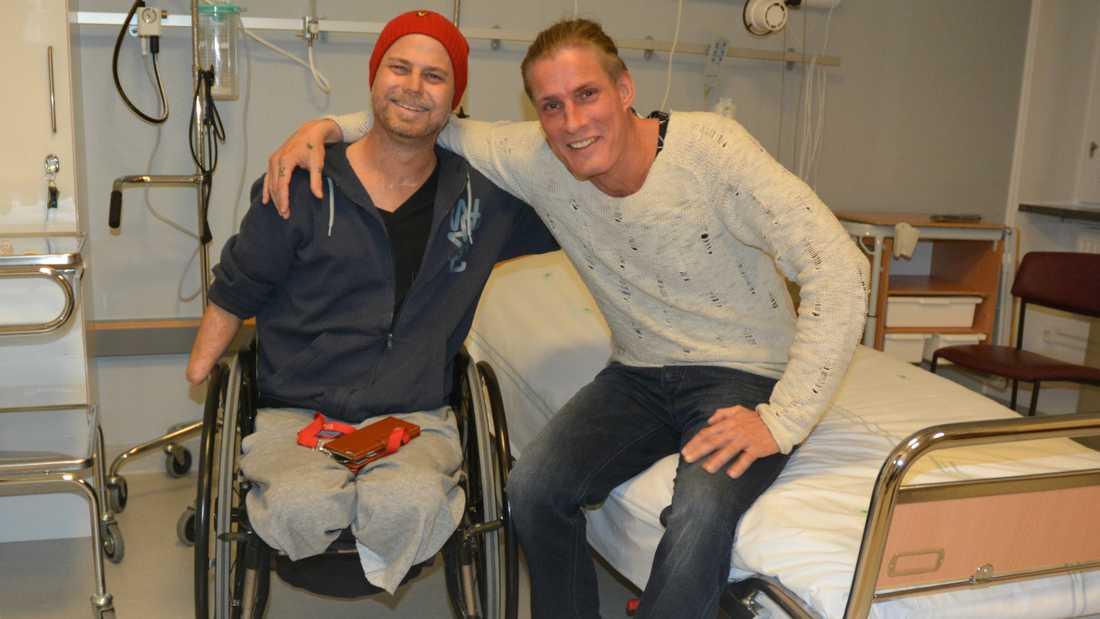 På sjukhuset. Hempas kropp tog emot Kalles njure fint.