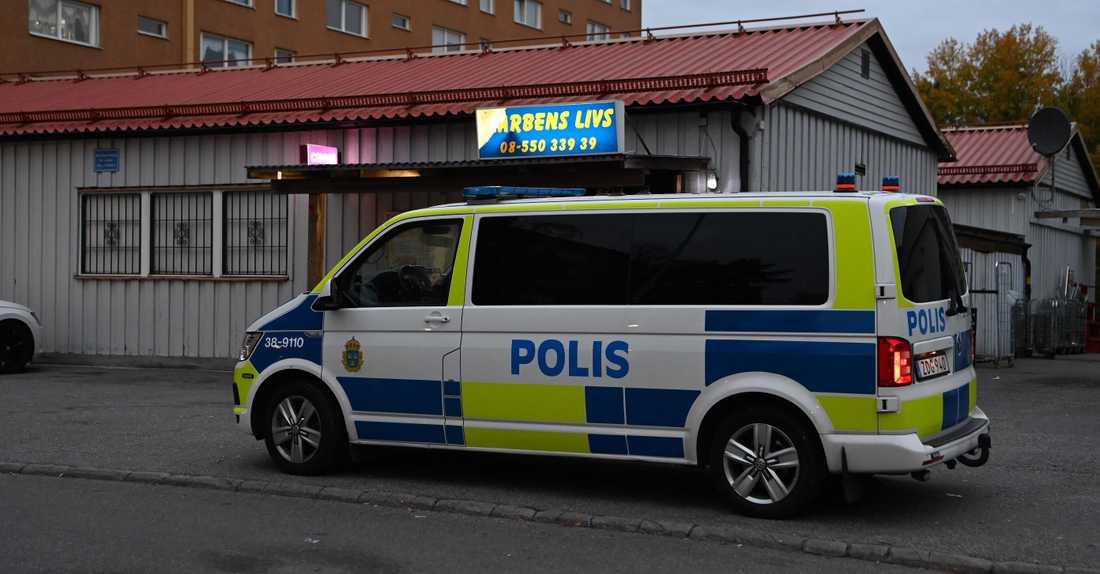 Polisen på plats i Södertälje.