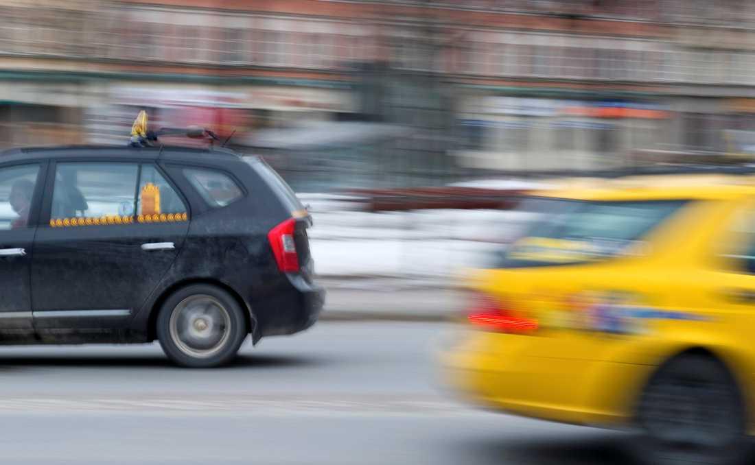 Genrebild på taxibilar.