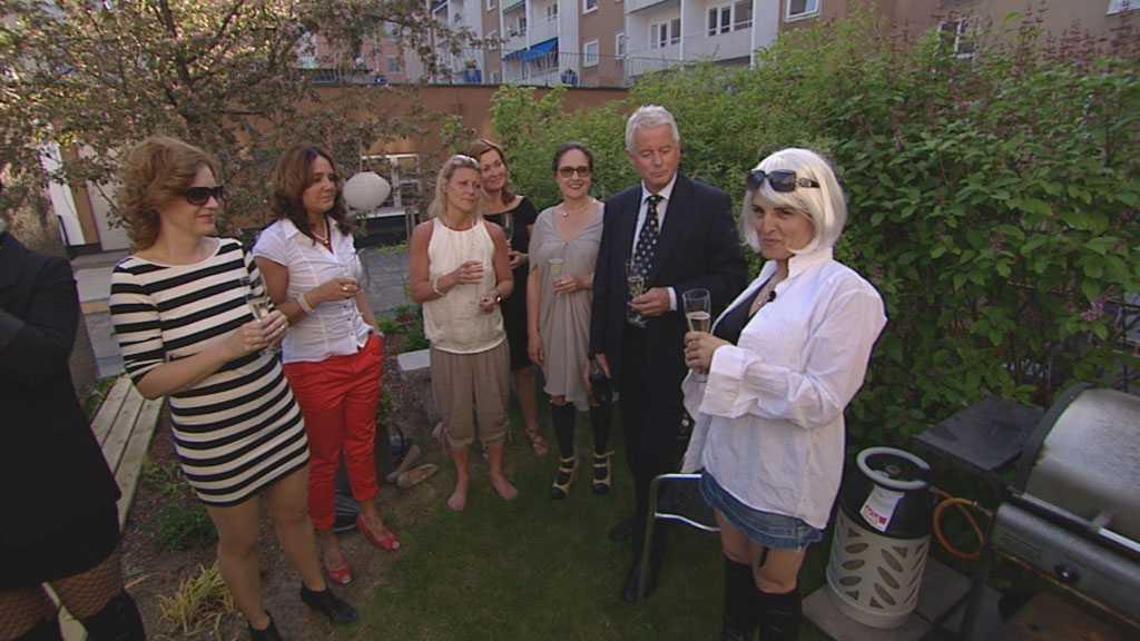Tiina Magnussonoch vännerna firade med bubbel och snittar.