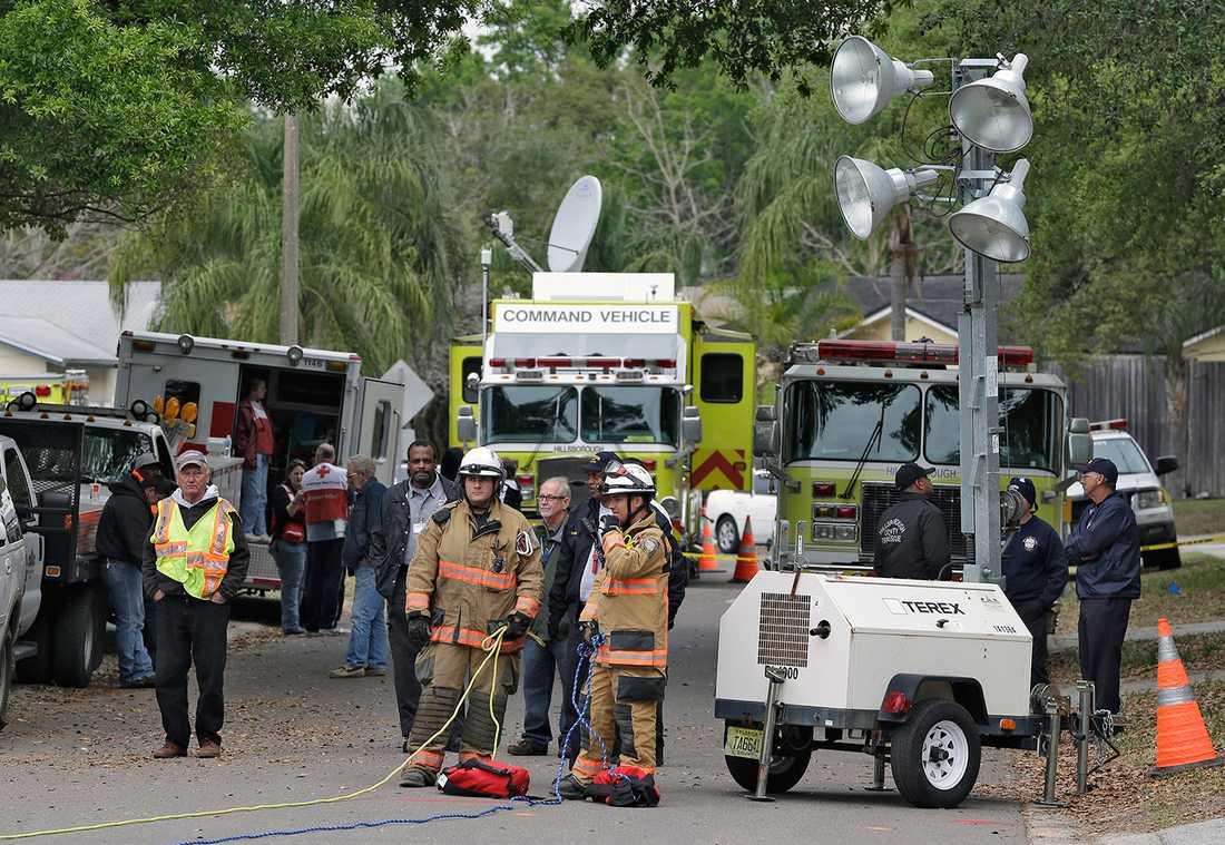 Brandmän och media.