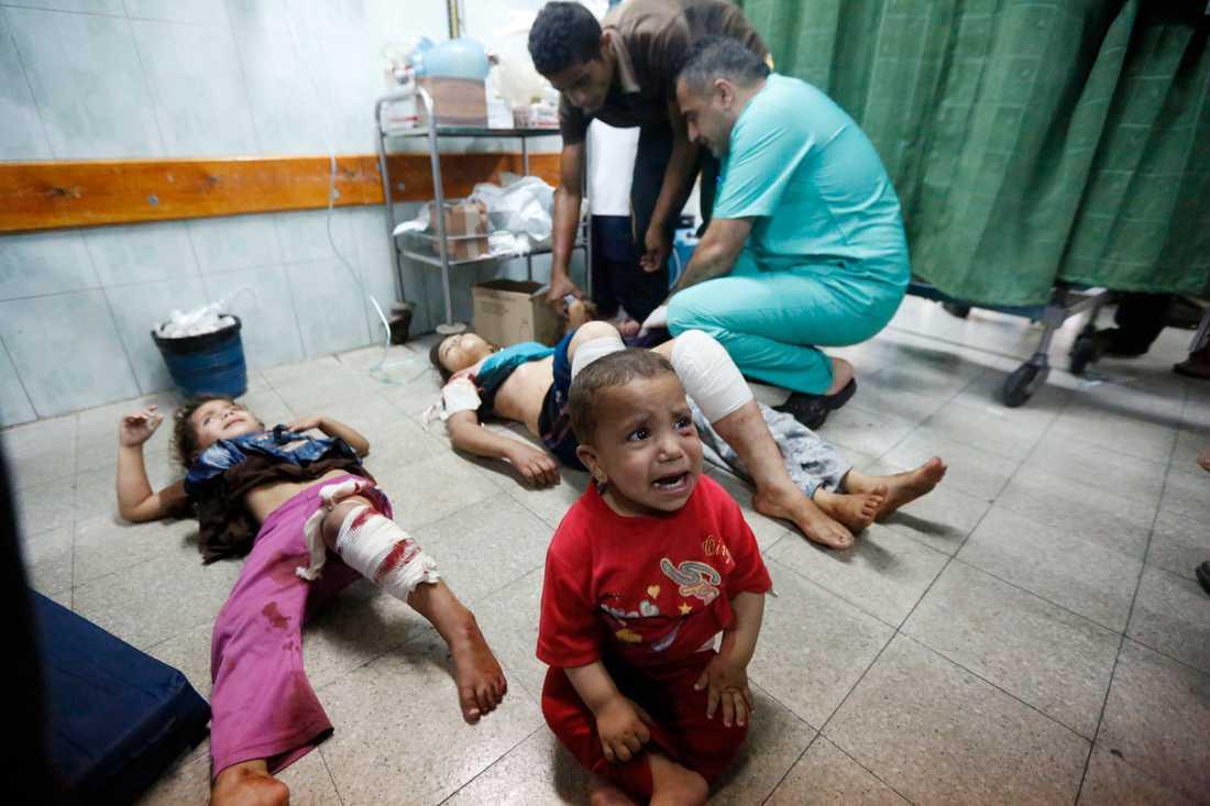 Barn som skadades i attacken mot skolan.