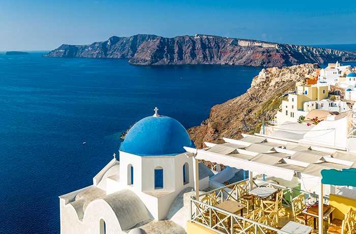 På Instagram finns över 5 miljoner bilder på Santorini.