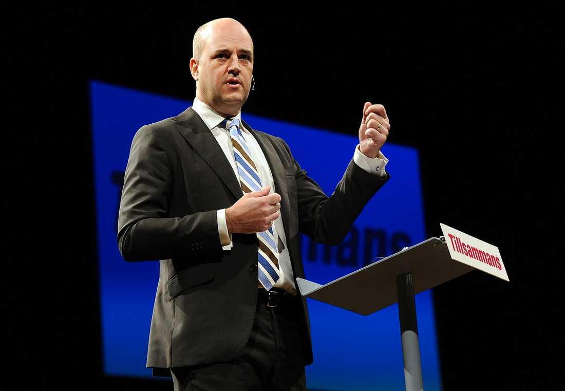 Vi ska inte drabbas av krisen, lovar Reinfeldt.