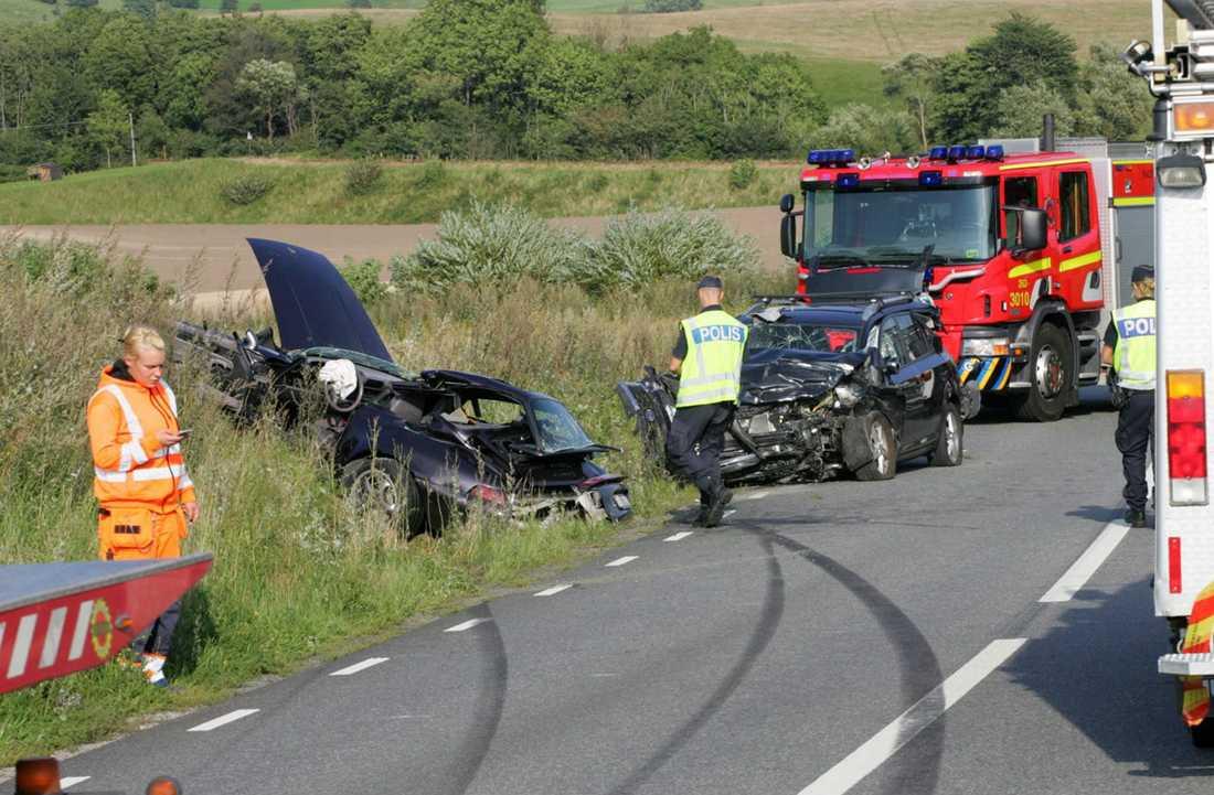Kraftig kollision En person omkom i olyckan utanför Simrishamn.