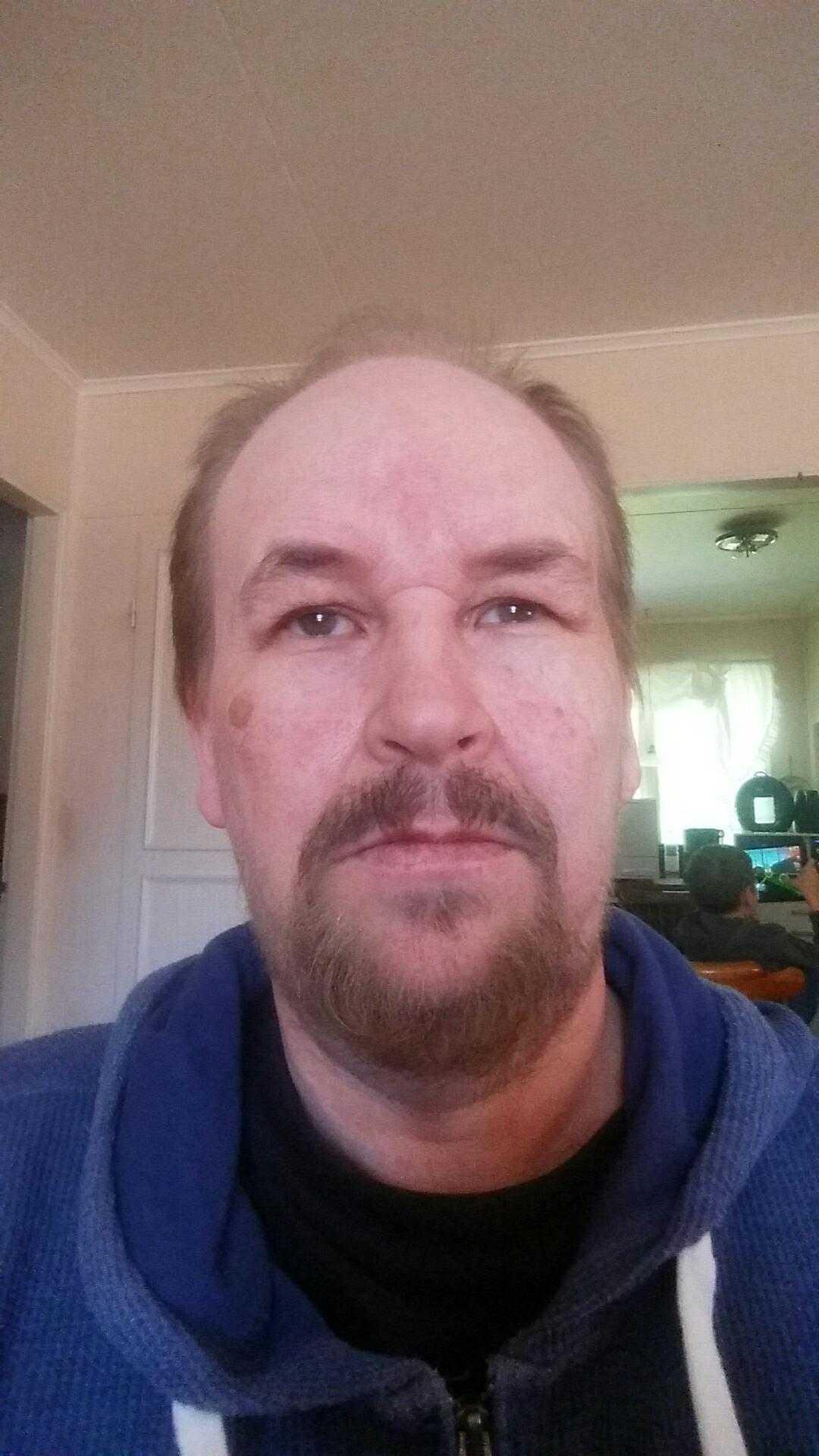 Stefan Hagalid satt vid köksbordet hemma i Kalix när fönsterrutorna började skaka.
