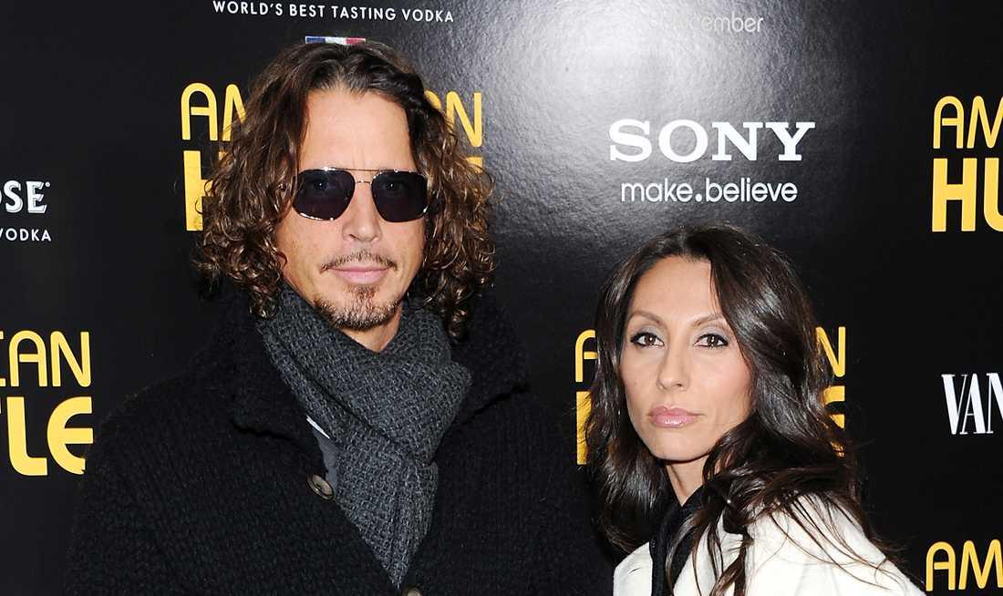 Chris Cornell och Vicky Karayiannis.
