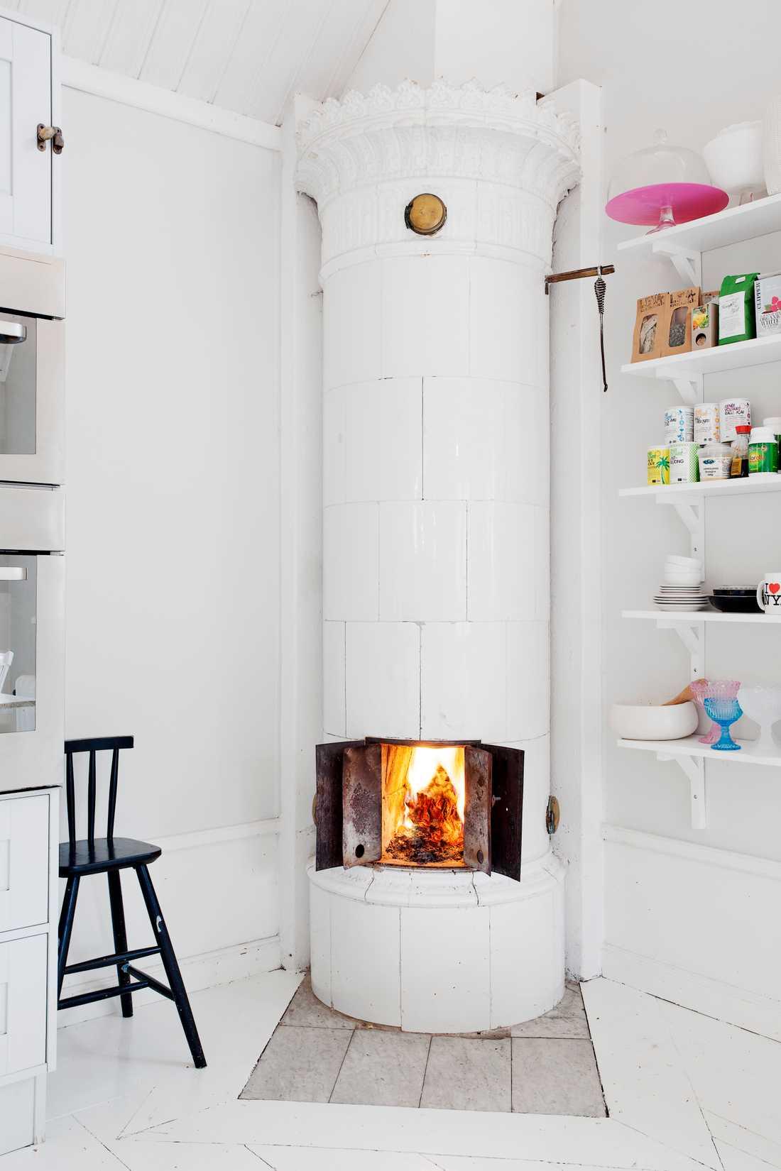 En sprakande braskamin är en viktig detalj för köpare som letar lägenhet.