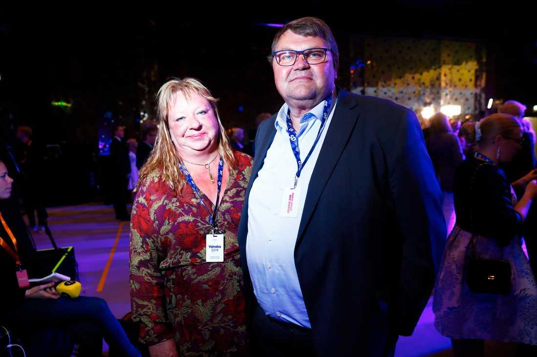SD:s Peter Lundgren med sambon Helena Elmqvist.