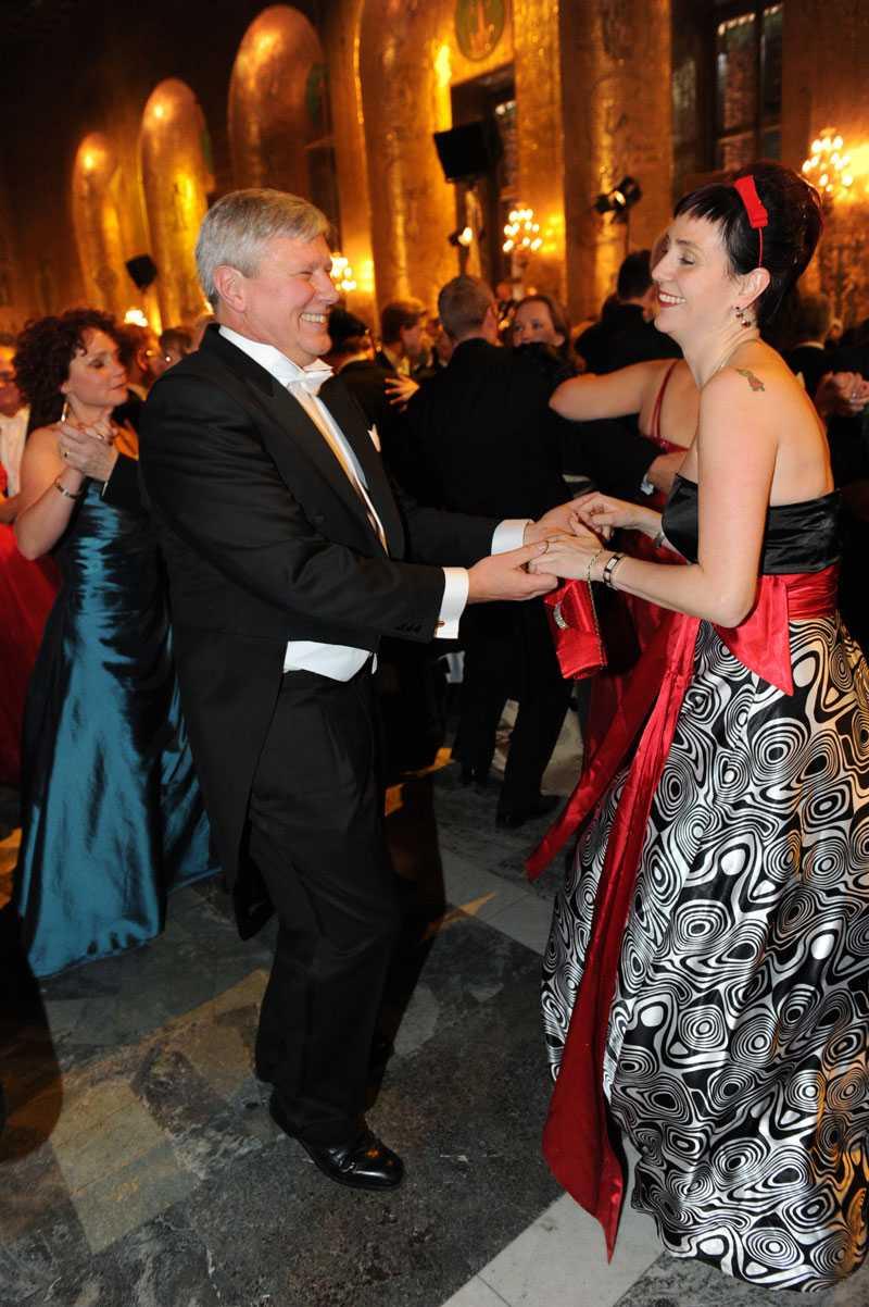 Nobelfest Lars Ohly dansar med sin Åsa på Nobelfesten 2010.