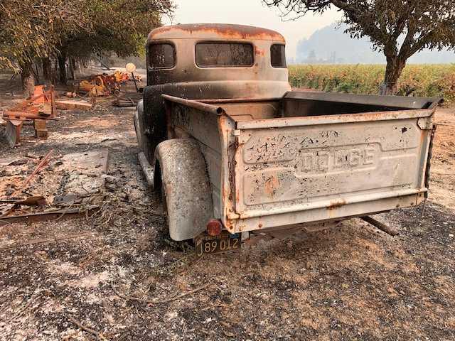 """""""Det är många minnen, min morfars traktor och plog"""", säger Vincent Tofanelli om förödelsen."""