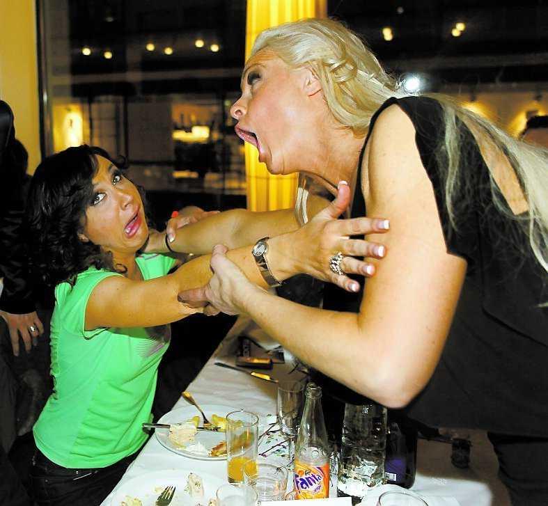 Programledaren Petra Mede och Malena Ernman släppte loss på efterfesten.