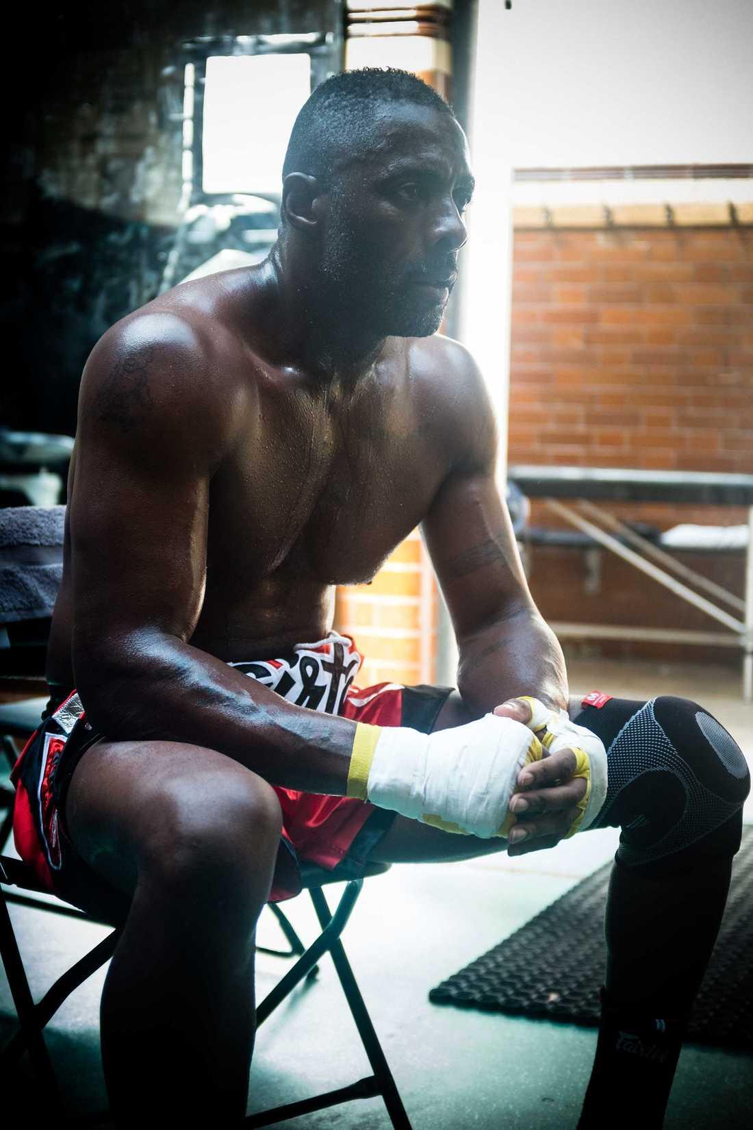 "Ur ""Idris Elba: fighter""."