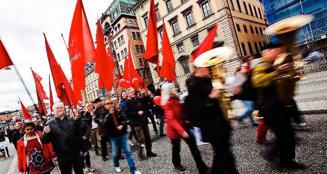 Striden om arbetarklassen I Frankrike kommer Marine Le Pen i dag prata om sin fiendebild: islamismen.  Arbetslösheten härjar och över 40 procent röstar på Le Pen. Samma flykt till liknande partier syns i fler delar av Europa. Kanske är första maj en lämplig dag att fundera på varför växande delar av europeisk arbetarklass förförs av högerextremism?