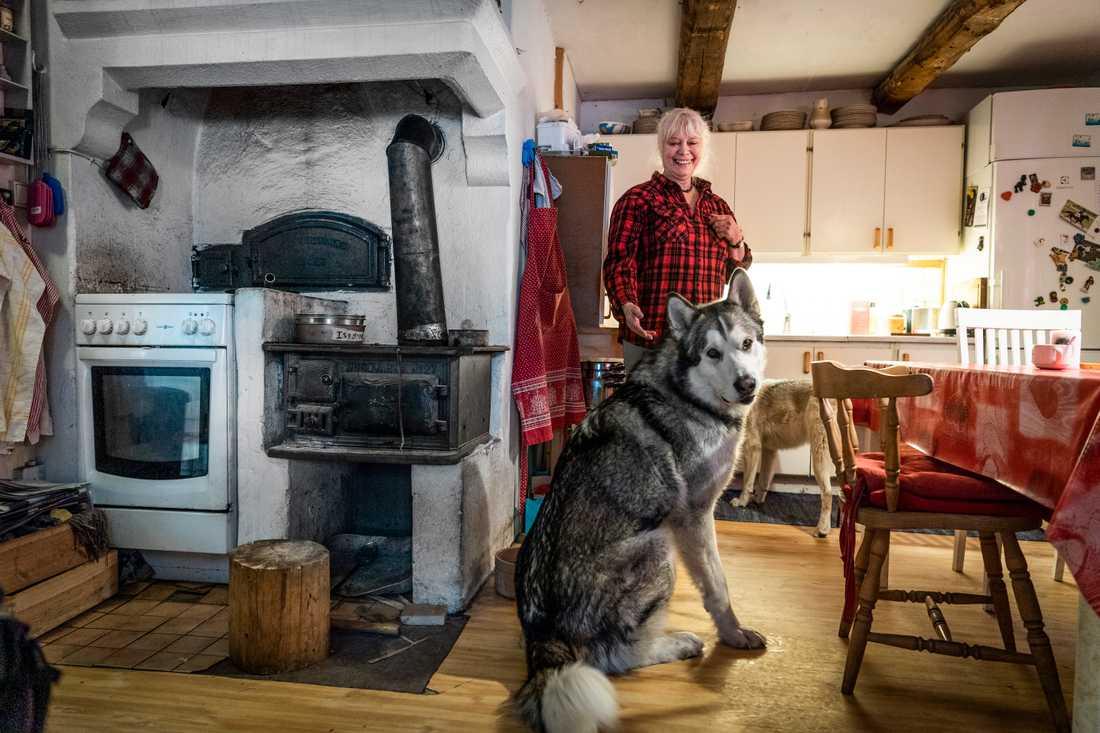 """""""Jag behöver inte de där pengarna egentligen, jag klarar mig bra med mitt kök som det är. Men det handlar om principen"""", säger hon."""