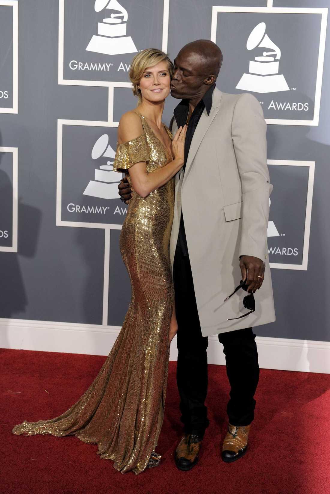 Mycket guld denna kväll, Heidi Klum var magisk i klänning från Julien Macdonald. Seal var elegant i rock.