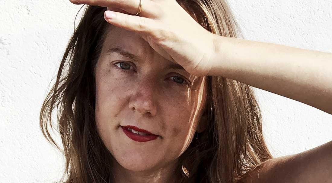 """Författaren Tove Folkesson ger ut romanen """"Hennes ord"""", den första delen i en planerad trilogi."""