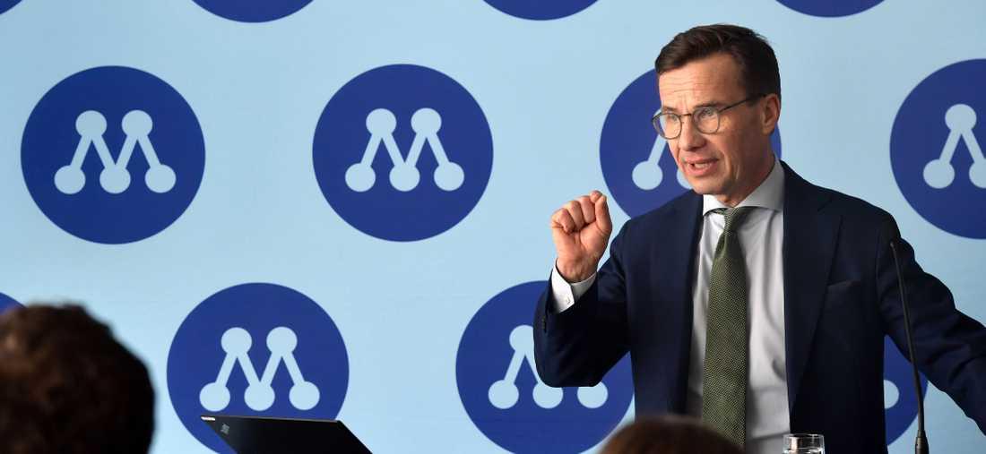"""Ulf Kristersson säger att man med loggan vill """"knyta ihop partiets egen säck"""" i ett nytt politiskt läge."""