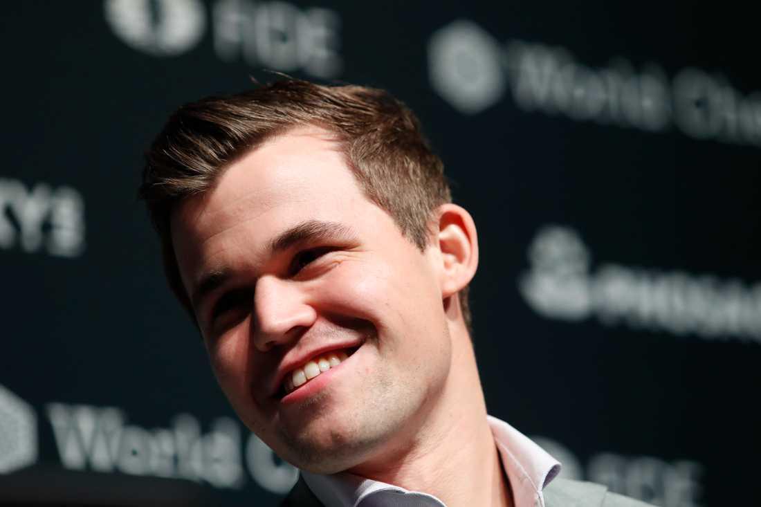 """""""Det var en väldigt bra dag på jobbet"""", konstaterade norrmannen Magnus Carlsen efter sin fjärde VM-titel i schack."""