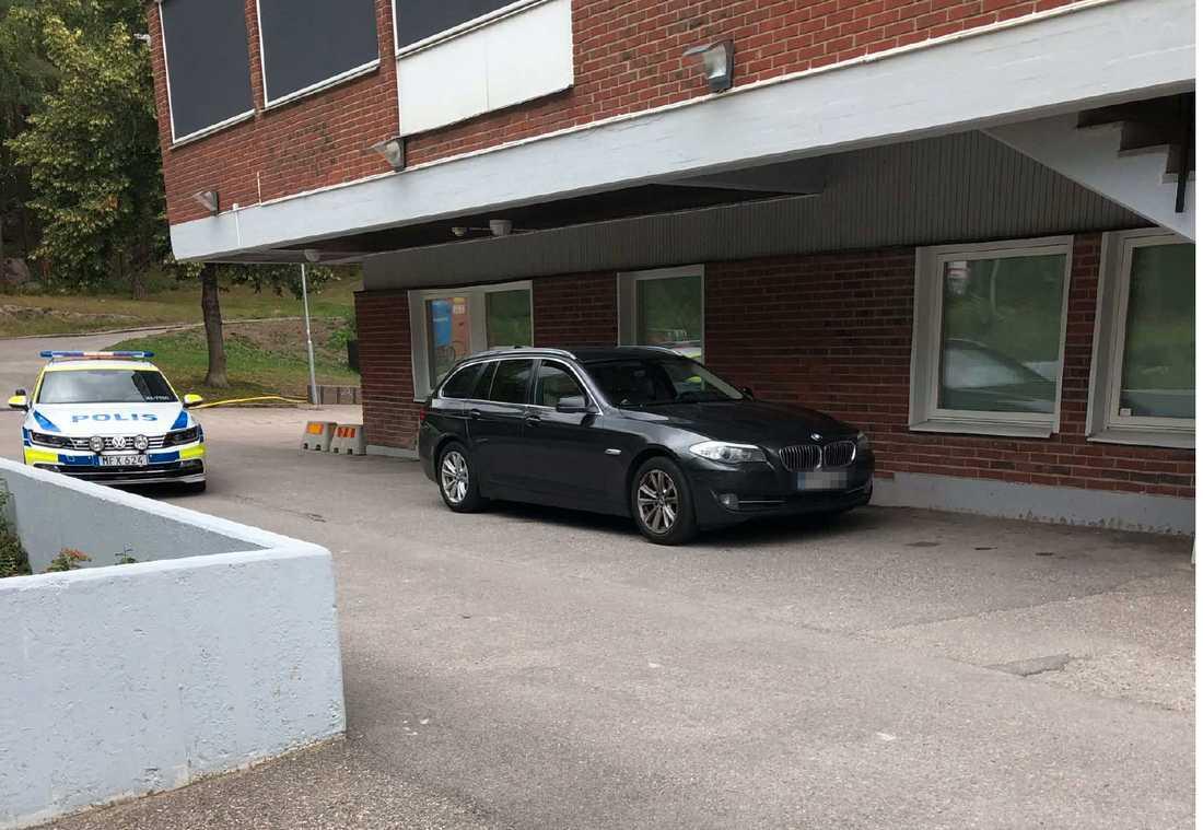 En gärningsman greps när polisen slog till mot bilen.