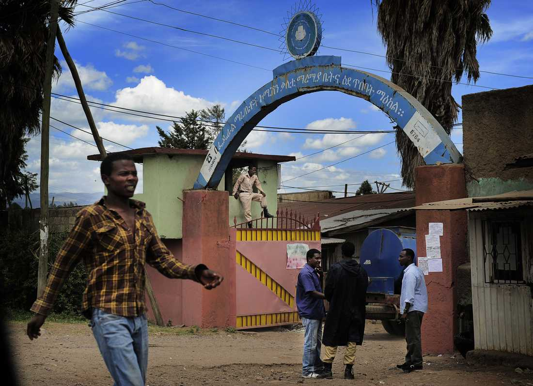 Porten till Kalityfängelset i Addis Adeba där Johan Persson och Martin Schibbye sitter fängslade.