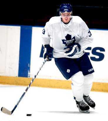 Staffan Kronwall kommer att träna med NHL-laget Toronto Maple Leafs i sommar.