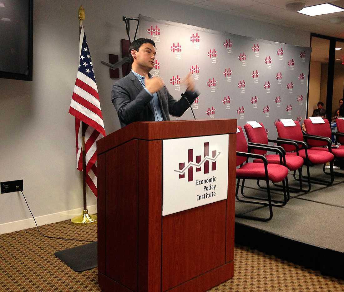 "Thomas Piketty presenterar sin bok ""Capital in the twenty-first century"" vid det ekonomisk-politiska institutet i USA:s huvudstad Washington DC."