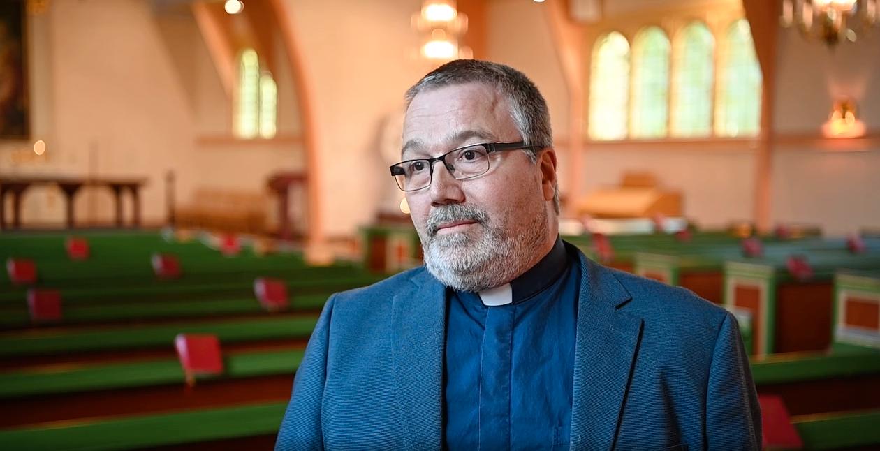 Thomas Pfitzinger-Drewes, präst i Hagfors församling, berättar hur glädjen när pojken hittats byttes till sorg när dödsbudet kom.