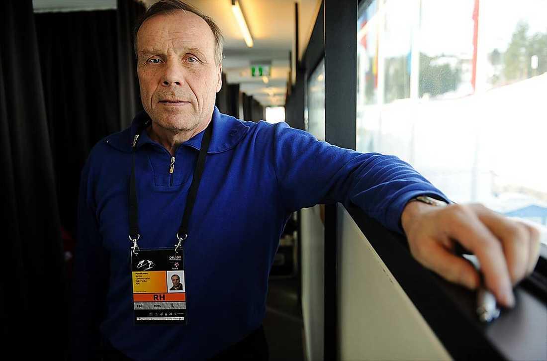 Finländaren Jarmo Punkkinen tränade Italiens herrar i längdskidåkning 1984–90 och Sveriges damer 1992–94.