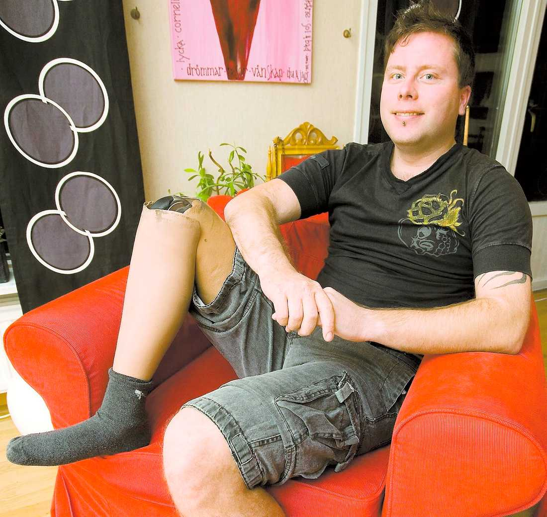 """RÄDDAD I SISTA STUND Fredrik Martinsson minns olyckan för tio år sedan: """"Om Kasper och Daniel inte hade varit där och huggit av mitt ben så hade jag varit död."""""""