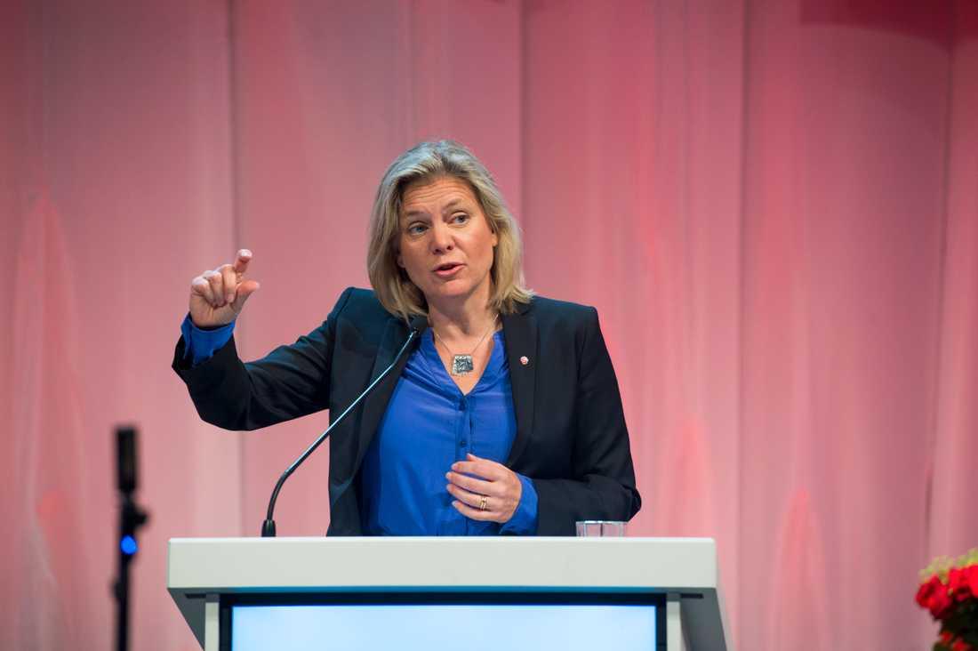 S-kongressens bästa tal hölls av Magdalena Andersson. Hon höjde tonläget och tog öppet strid mot rasismen. Förhoppningsvis följer fler hennes uppmaning att trappa upp konflikten.