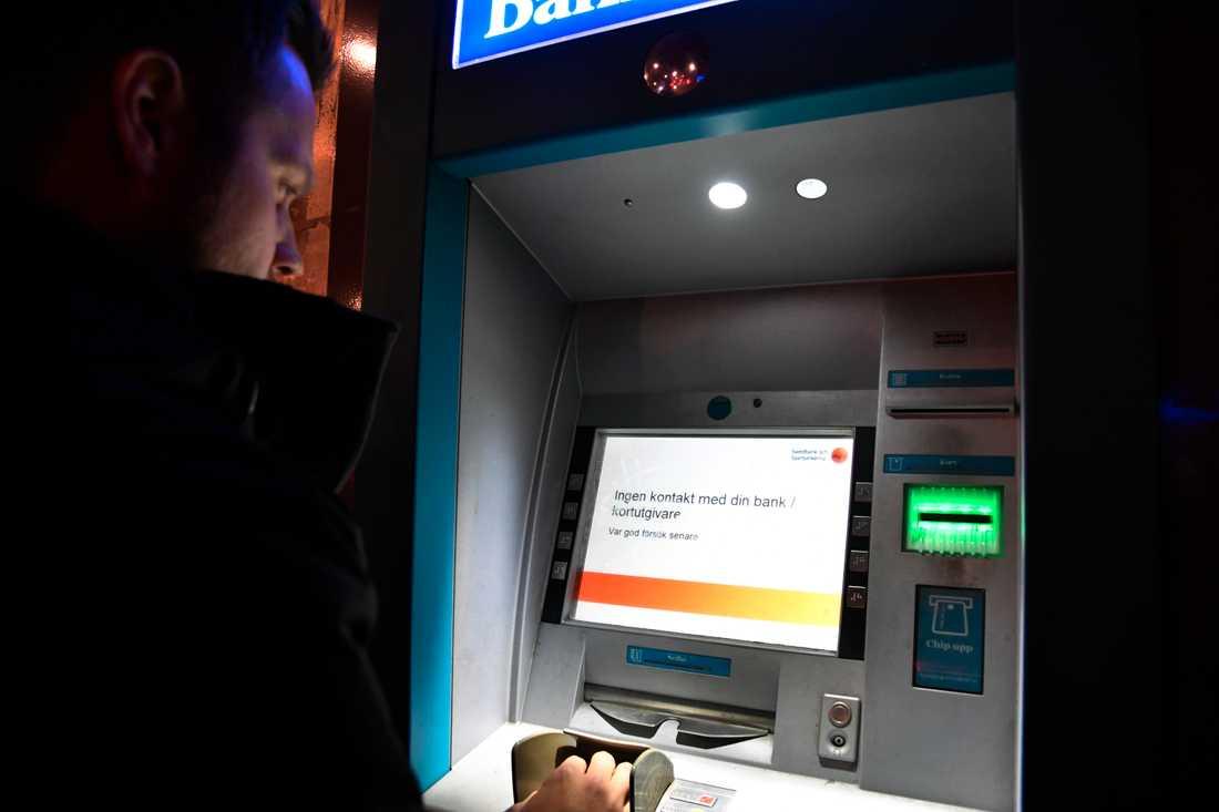 Swedbank stoppar alla uttag med bankkort.
